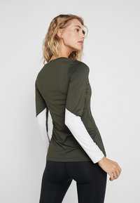 Björn Borg - CYNTHIA - Sports shirt - forest night - 2