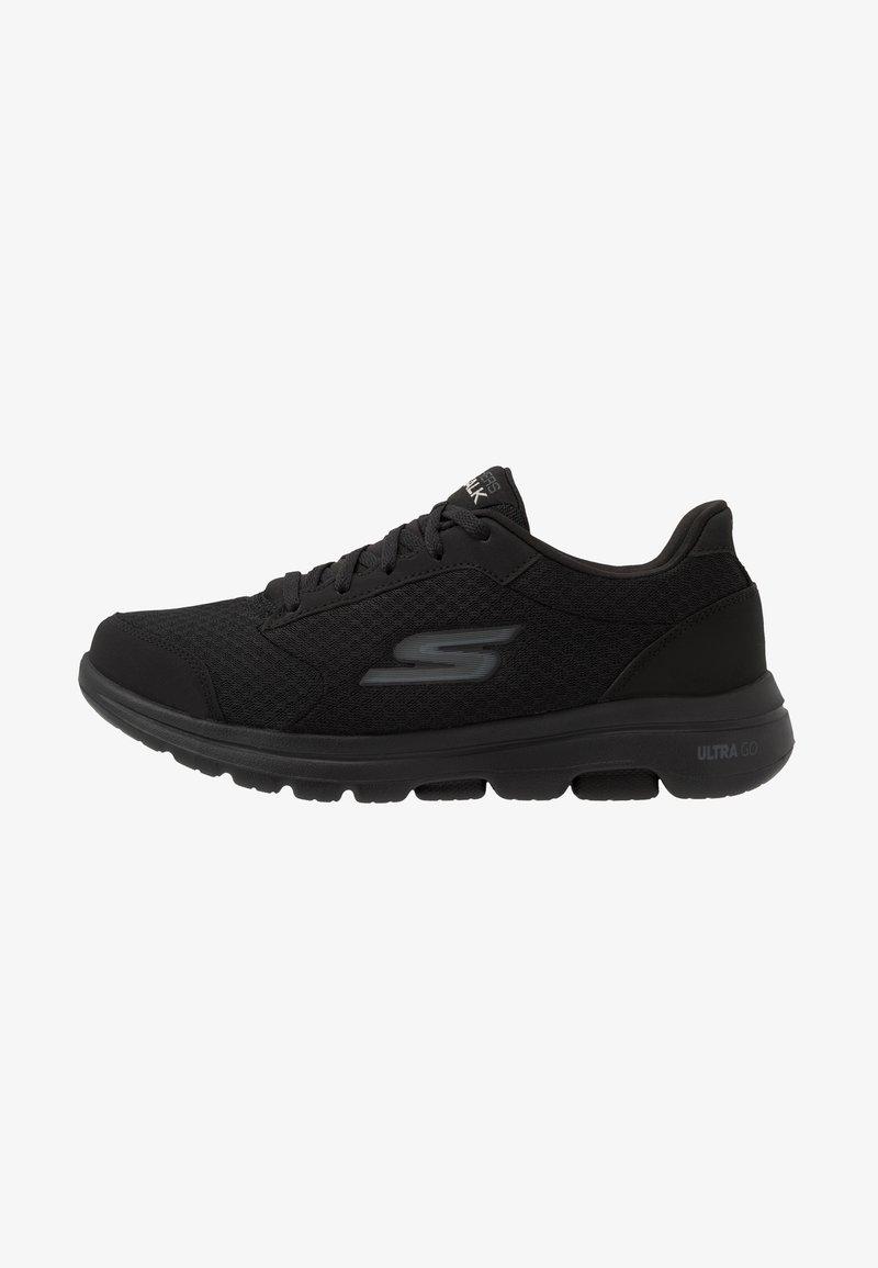 Skechers Performance - GO WALK 5  QUALIFY - Chaussures d'entraînement et de fitness - black