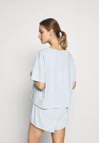 Monki - TOVA SET - Pyjama set - blue light rosey - 2
