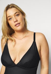 Playful Promises - SOFT CUP - Body - black - 3