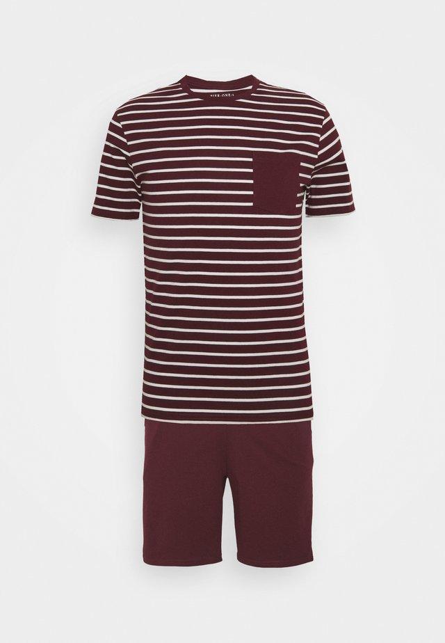 Pyjamas - bordeaux/white