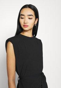 Missguided - SHOULDER PAD BELTED MINI DRESS - Cocktail dress / Party dress - black - 3
