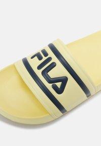 Fila - MORRO BAY - Mules - wax yellow - 6