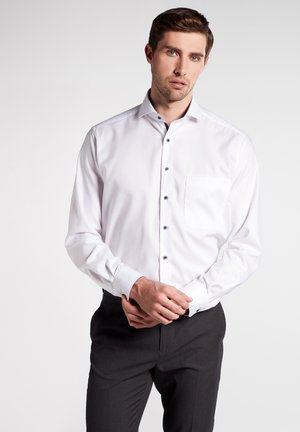COMFORT FIT - Business skjorter - white