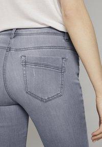 TOM TAILOR - Slim fit jeans - grey denim - 5