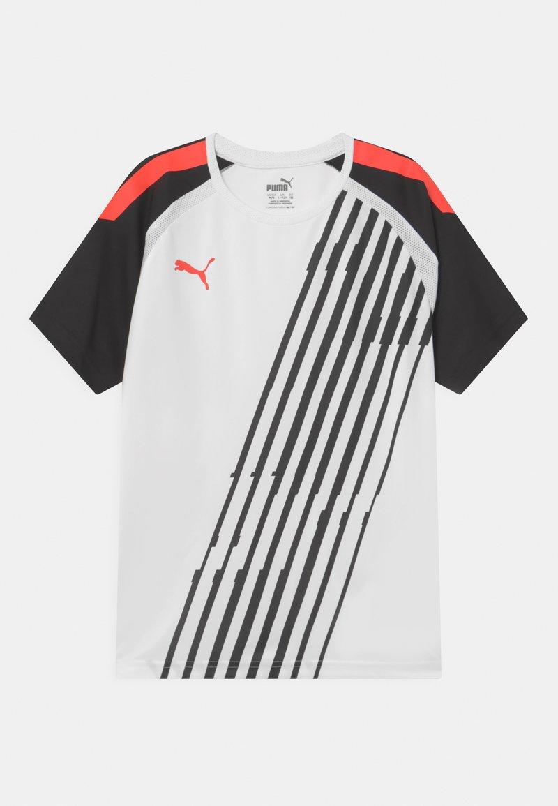 Puma - TEAM LIGA GRAPHIC JR UNISEX - Print T-shirt - puma whit/red blast/puma black