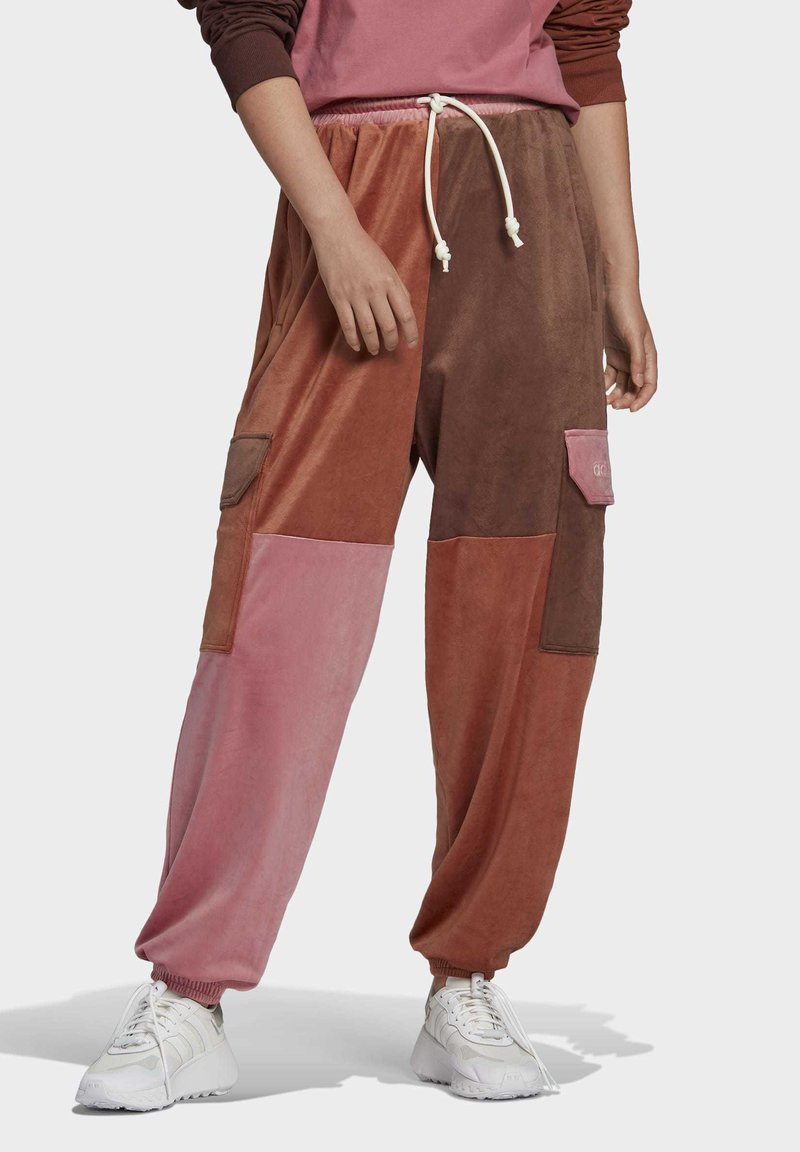 adidas Originals - WOVEN PANT CB - Teplákové kalhoty - multicolor