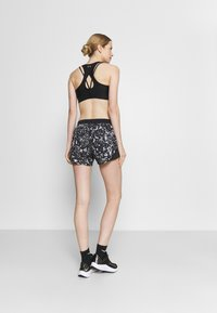 Under Armour - FLY PRINTED SHORT - Sports shorts - black - 2