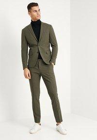 Lindbergh - PLAIN MENS SUIT - Kostuum - olive - 1