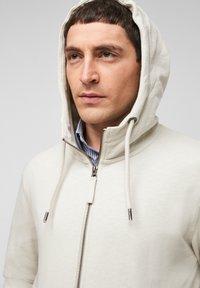 s.Oliver - FELPA - Zip-up sweatshirt - cream - 4