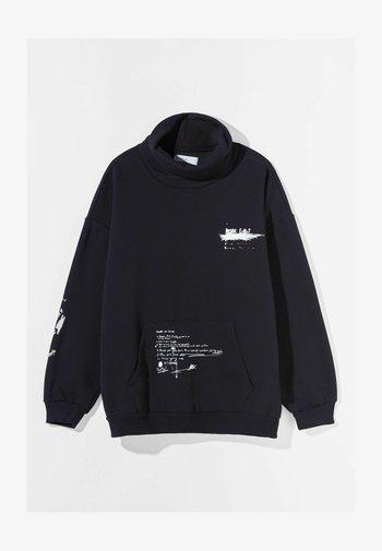 MIT ROLLKRAGEN - Sweatshirt - black