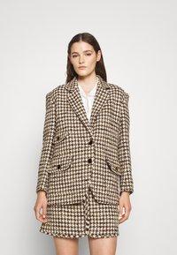 sandro - Short coat - marron/beige - 0