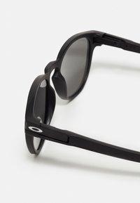 Oakley - LATCH - Sluneční brýle - matte black - 2