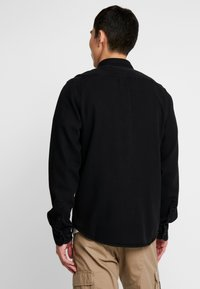 Lee - BUTTON DOWN - Skjorter - black