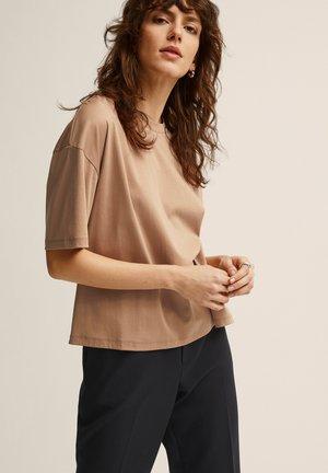 ALVA  - T-shirt basic - tan