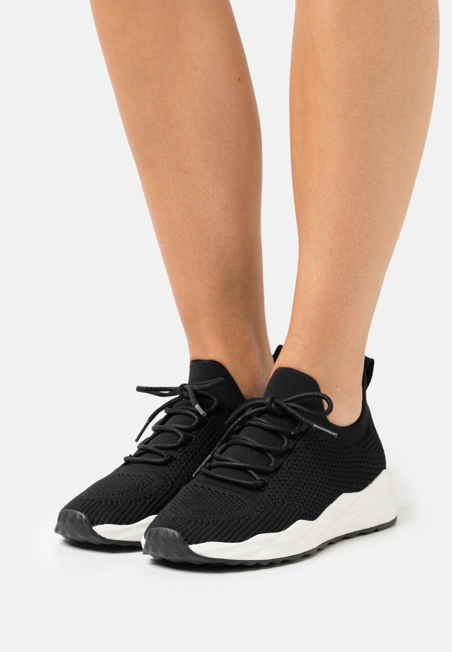 Women High-top trainers - black