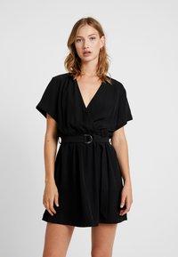Weekday - JESS DRESS - Denní šaty - black - 0