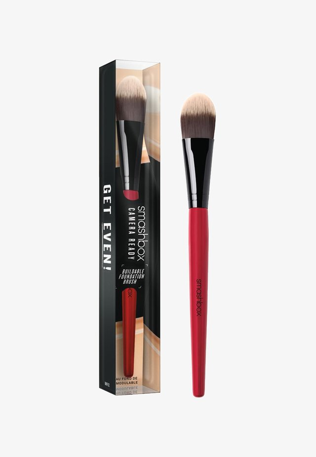 BUILDABLE FOUNDATION BRUSH - Pinceau maquillage - -