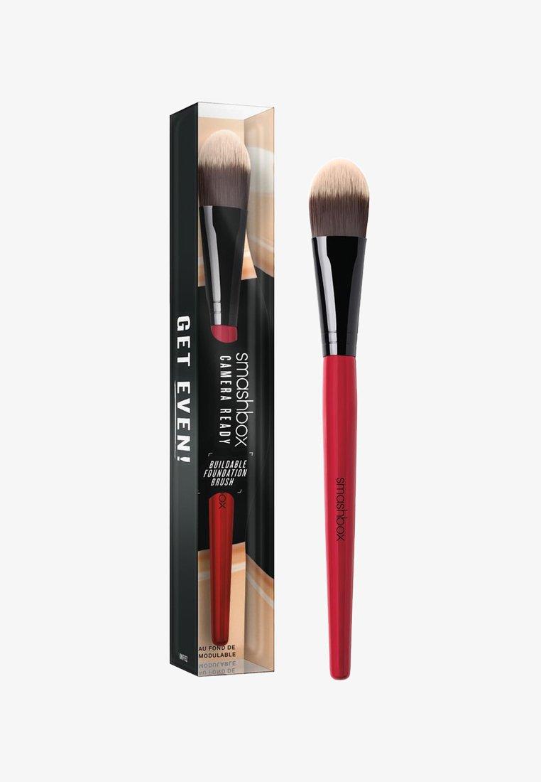 Smashbox - BUILDABLE FOUNDATION BRUSH - Makeup brush - -