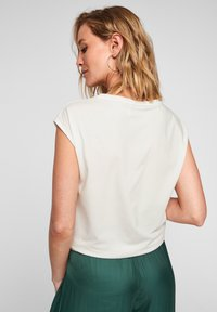 s.Oliver BLACK LABEL - Print T-shirt - white placed print - 4