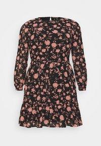 VMICY SHORT DRESS - Denní šaty - black/icy