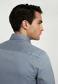 Massimo Dutti - MIT DOPPELTEN TASCHEN - Shirt - blue - 3