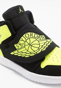 Jordan - SKY 1 - Basketball shoes - black/volt/white - 2