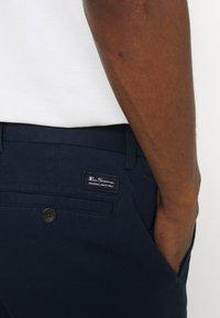 Ben Sherman - SIGNATURE  - Shorts - dark navy - 4