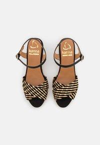 Kanna - LAURA - Sandály na platformě - schwarz/gold - 5