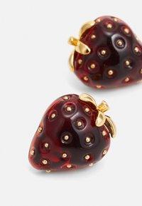 kate spade new york - TUTTI FRUITY STRAWBERRY STUDS - Earrings - red - 2