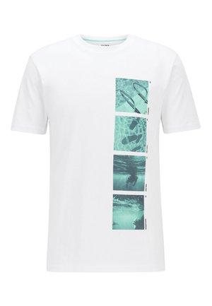TSUMMER 1 - Print T-shirt - white