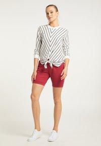 DreiMaster - Shorts - rot - 1