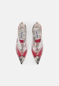 Steve Madden - VEIL - High heeled ankle boots - newspaper - 4