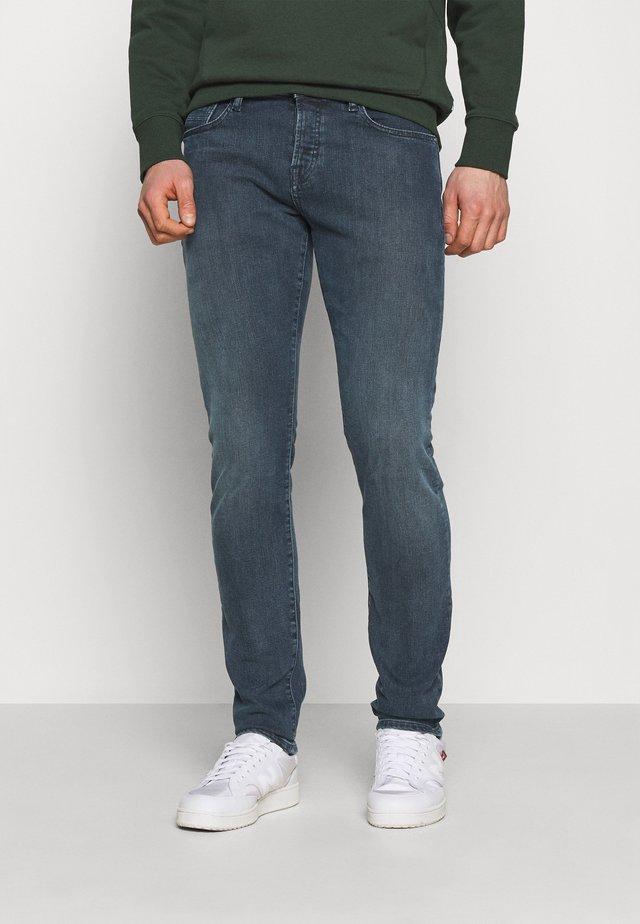 HIDE AND SEEK - Jeans slim fit - dark blue denim