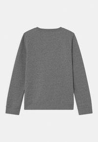 Nike Sportswear - CREW CLUB - Sweatshirt - carbon heather/white - 1