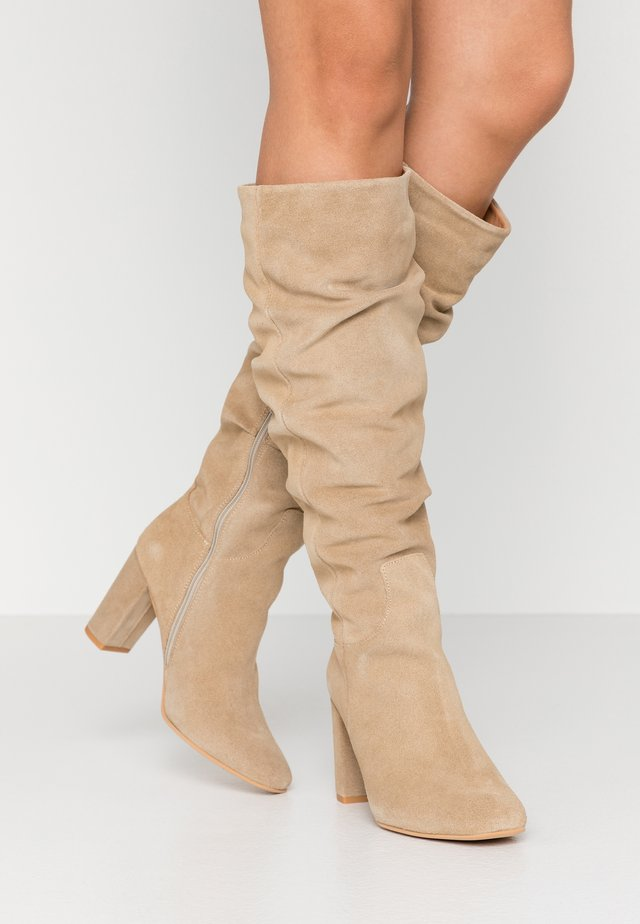 VMBIA BOOT - Bottes - beige