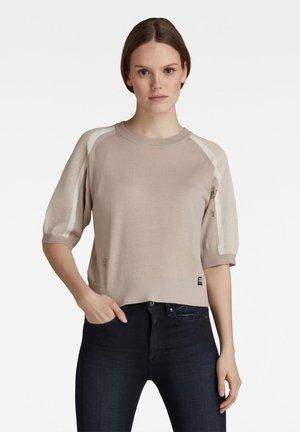 MESH INSERT SWEATER - Print T-shirt - ecru