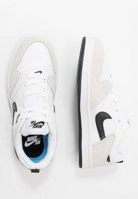 Nike SB - ALLEYOOP UNISEX - Trainers - white/black - 1