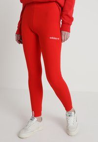 adidas Originals - COEEZE TIGHT - Legíny - active red - 0