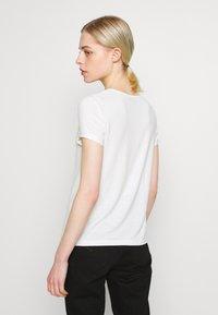 Even&Odd - T-shirt imprimé - cloud dancer - 2