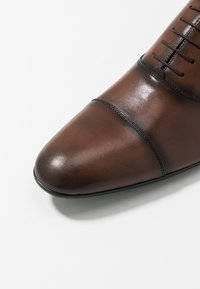 Brett & Sons - Smart lace-ups - cres cognac - 5
