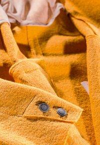 Milestone - ABRA - Classic coat - sonnengelb - 2