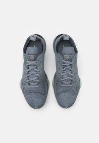 Nike Sportswear - AIR ZOOM TYPE UNISEX - Sneakers basse - smoke grey/dark grey/volt/black - 3