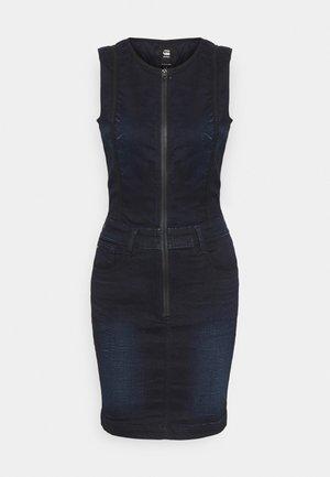 LYNN TYPE 30  - Denimové šaty - worn in nightfall