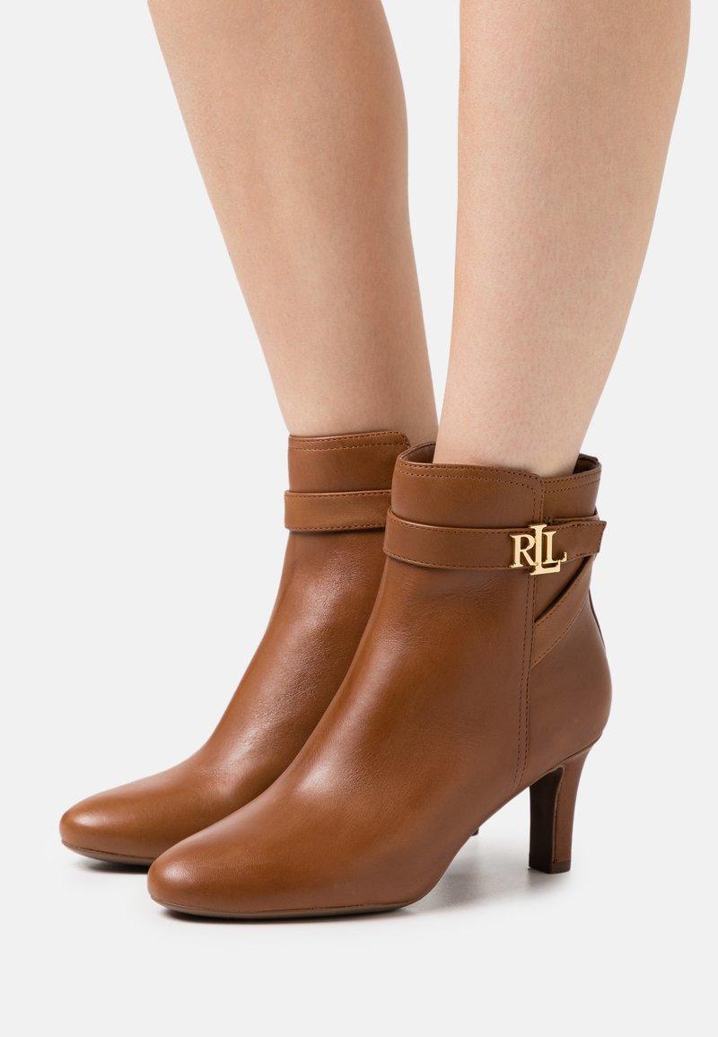 Lauren Ralph Lauren - ARIANNE - Classic ankle boots - deep saddle tan