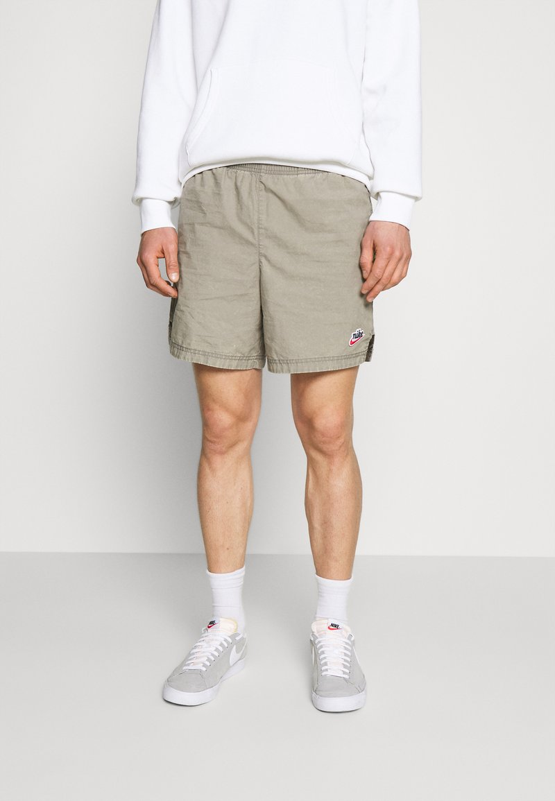 Nike Sportswear - Kraťasy - light army