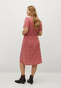 Violeta by Mango - CROSS - Day dress - geranienrosa - 2
