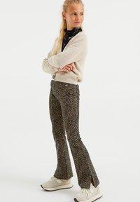 WE Fashion - MET DESSIN - Broek - light brown - 0