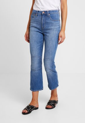 CALI DEMI BOOT WITH KNEE PATCHES - Straight leg jeans - farrah wash