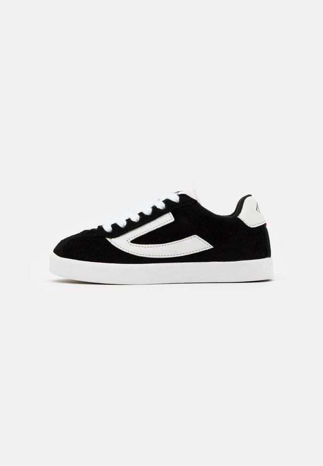 RETRO TRIM - Sports shoes - black/eggshell